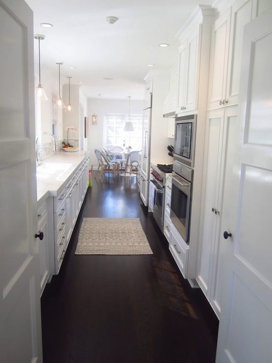 Calacatta manhattan marble transitional kitchen for 7x11 bathroom layouts