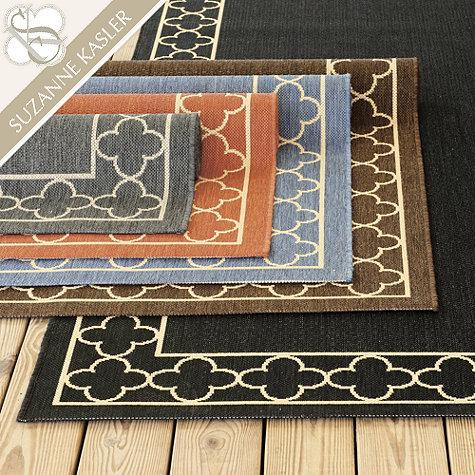 suzanne kasler quatrefoil border indoor outdoor rug