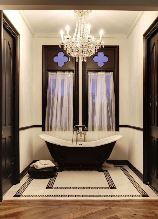 Black and white bathroom eclectic bathroom for Black and cream bathroom ideas