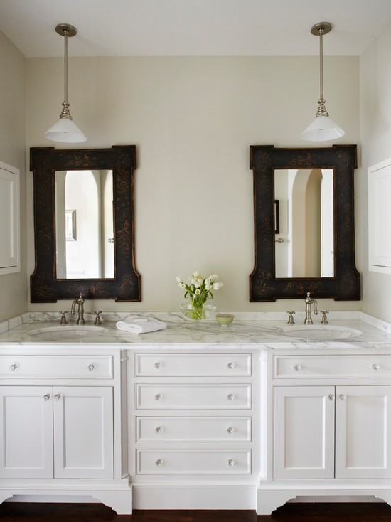 White Bathroom Double Vanity: White Double Vanity With Marble Countertops