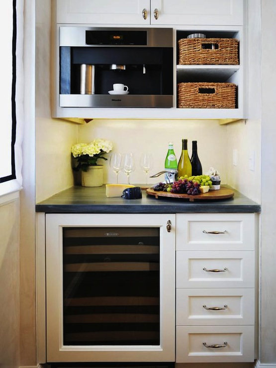 Butler 39 s pantry nook traditional kitchen hgtv for Roman pantry