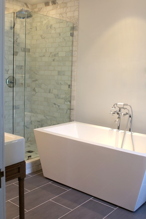 Modern Freestanding Tub - Modern - bathroom - Kishani Perera
