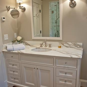 Benjamin Moore Revere Pewter Traditional Bathroom