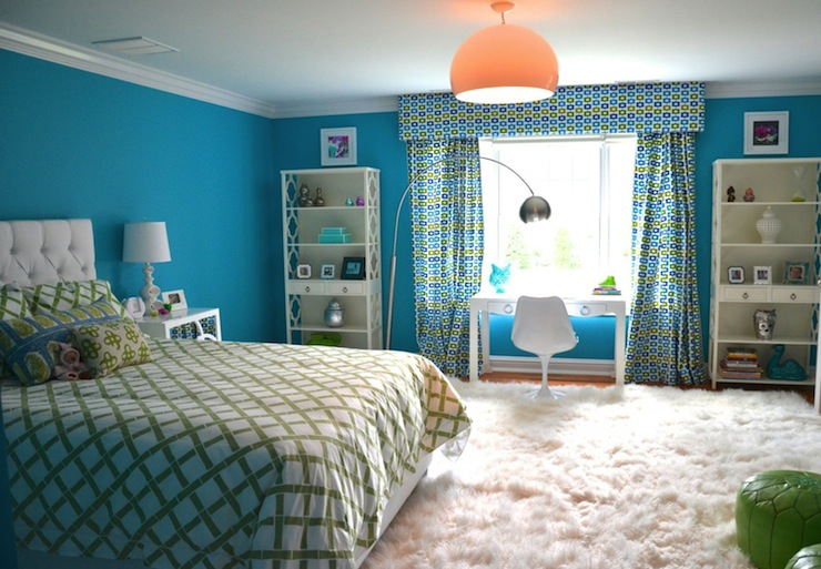 Turquoise Blue Girl's Room