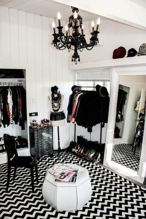 Black And White Chevron Rug Contemporary Closet