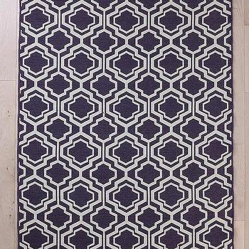 Wool Flat Weave Quatrefoil Rug I Urban Outfitters