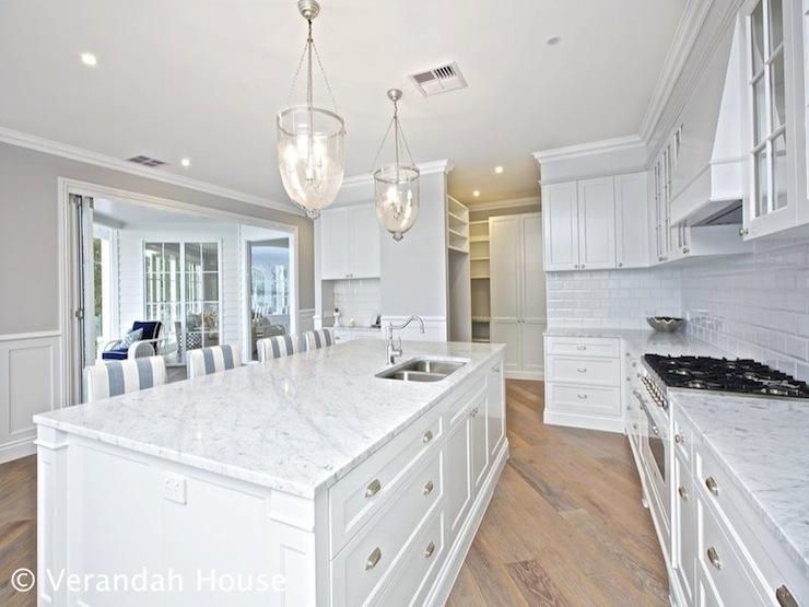 angled kitchen cottage kitchen veranda house. Black Bedroom Furniture Sets. Home Design Ideas