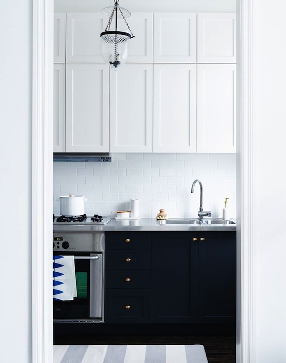 navy kitchen cabinets contemporary kitchen angus fergusson. Black Bedroom Furniture Sets. Home Design Ideas