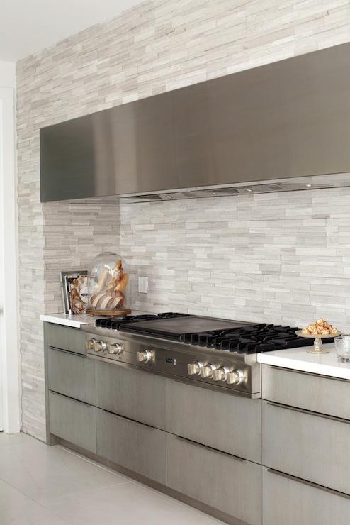 Linear tile backsplash modern kitchen the cross for Linear kitchen design