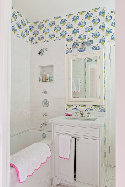Kids bathroom ideas transitional bathroom lilly bunn for Kitchen colors with white cabinets with lilly pulitzer wall art
