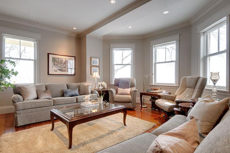 Traditional living room benjamin moore smokey taupe cc for Living room 983