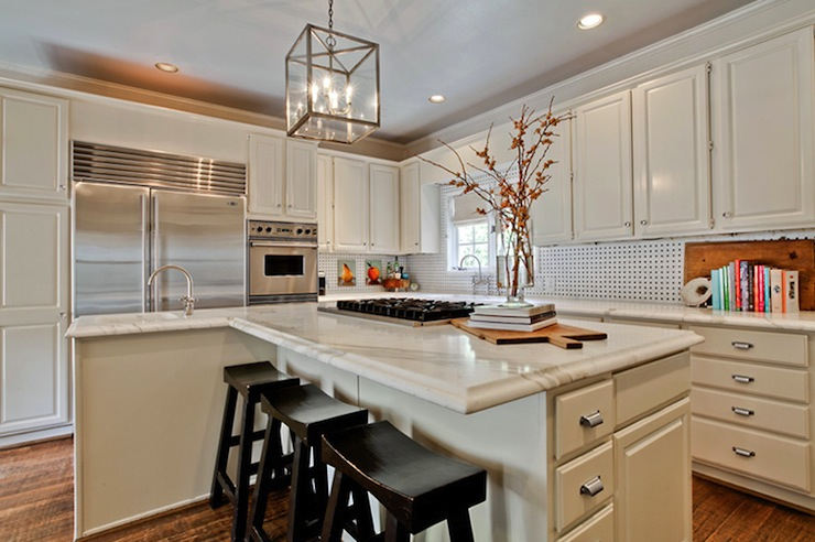 Off white kitchen cabinets transitional kitchen underwood interiors - Pictures of off white kitchen cabinets ...