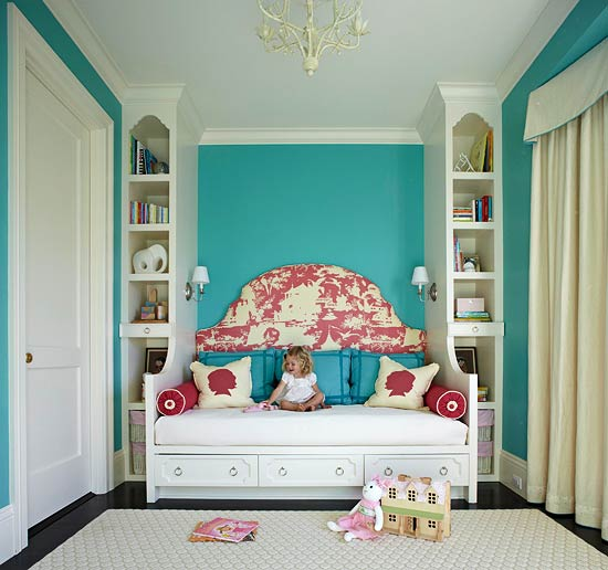 Turquoise walls bedroom home decorating ideas for Bedroom ideas aqua