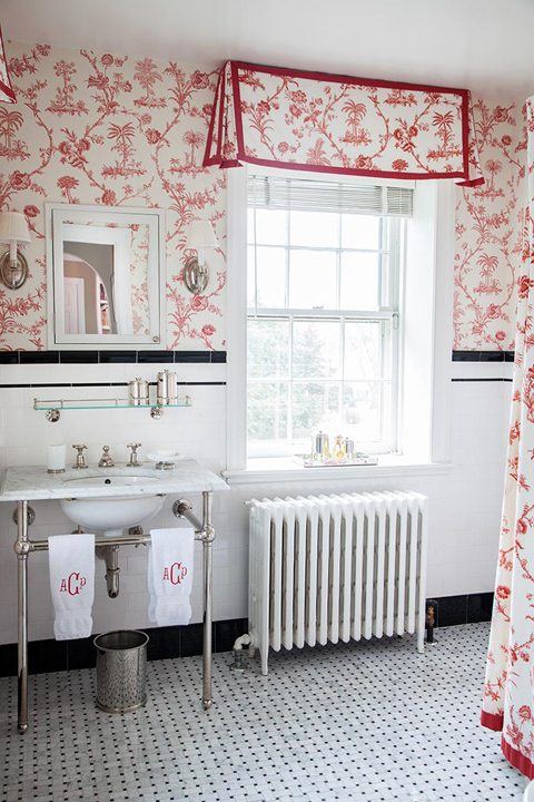 Girl 39 s bathroom ideas traditional bathroom mona ross for Black and white and red bathroom ideas