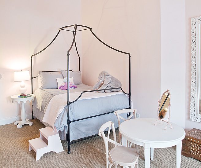 Kids Canopy Bed - Traditional - girl's room - Jaffa Group