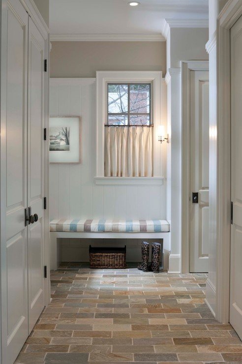 Mudroom bench cottage laundry room benjamin moore for Beach glass interior designs