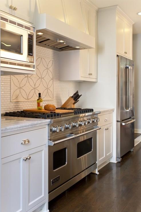 Pearl white granite transitional kitchen benjamin for Benjamin moore white dove kitchen cabinets