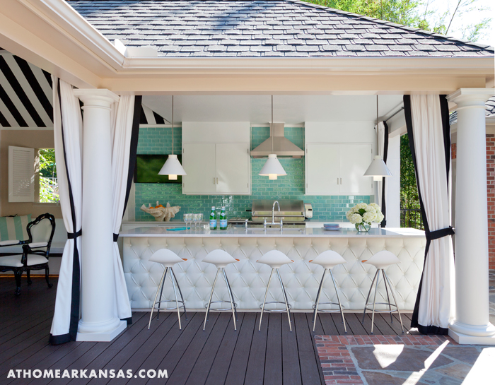 Pool deck cabana contemporary deck patio at home in for Cuisine d ete amenagement