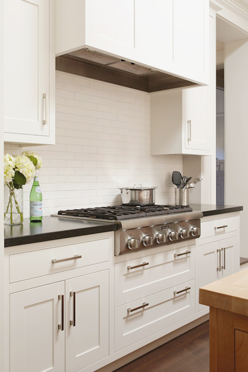 White dove kitchen cabinets traditional kitchen for Benjamin moore kitchen cabinets