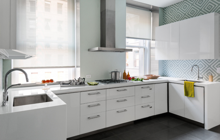 Glossy white kitchen cabinets contemporary kitchen for Shiny white kitchen cabinets