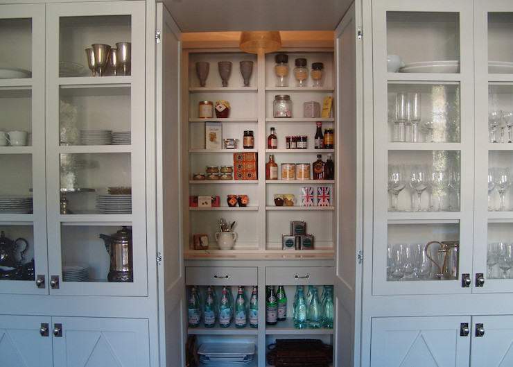 Walk in pantry cottage kitchen soorikian architecture for Walk in pantry cabinets