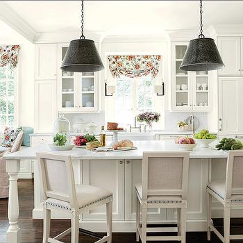 Alabama White Marble, Cottage, kitchen, Benjamin Moore Linen White, Suzanne Kasler