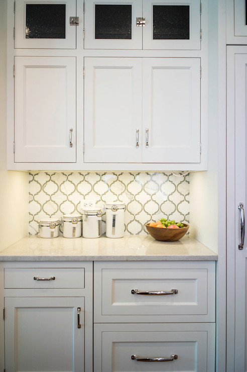 Exceptional White Marble And Glass Backsplash #4: D93ccf722ad5.jpg