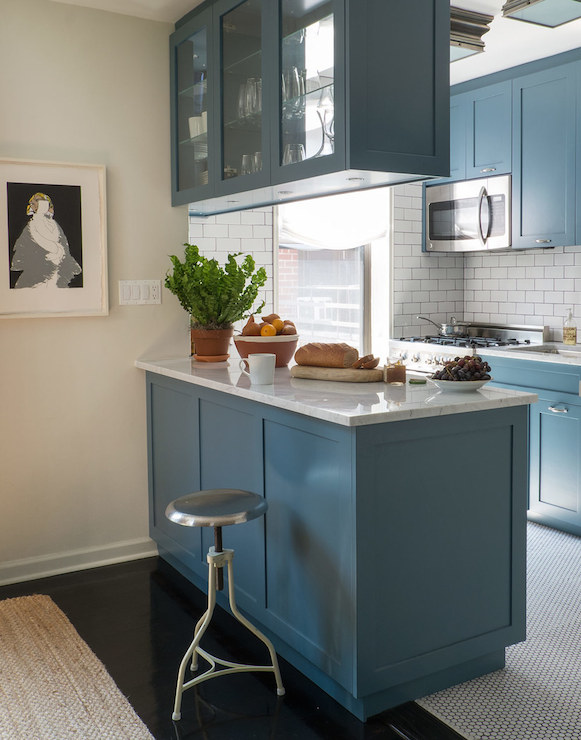 Overhead cabinets contemporary kitchen studio mrs for Overhead kitchen cupboards
