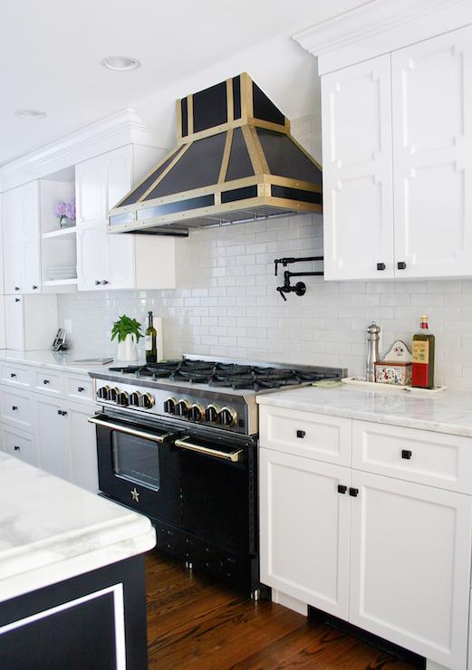 Bluestar range contemporary kitchen benjamin moore for Kitchen designs namibia