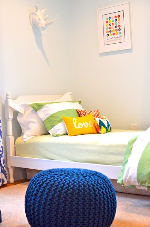Rugby striped bedding contemporary boy 39 s room behr for Boys rugby bedroom ideas