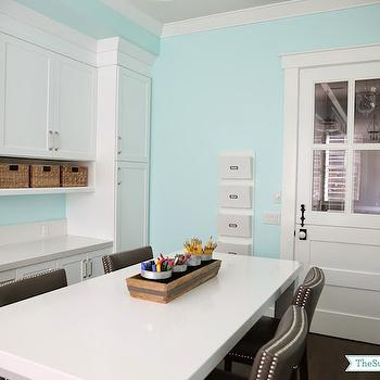 Craft Room Ideas, Transitional, den/library/office, Dunn Edwards Spearmint, Sunny Side Up