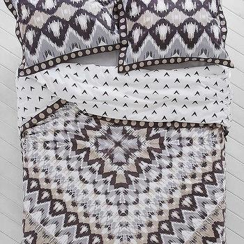 Magical Thinking Kasuri Medallion Duvet Cover I Urban Outfitters