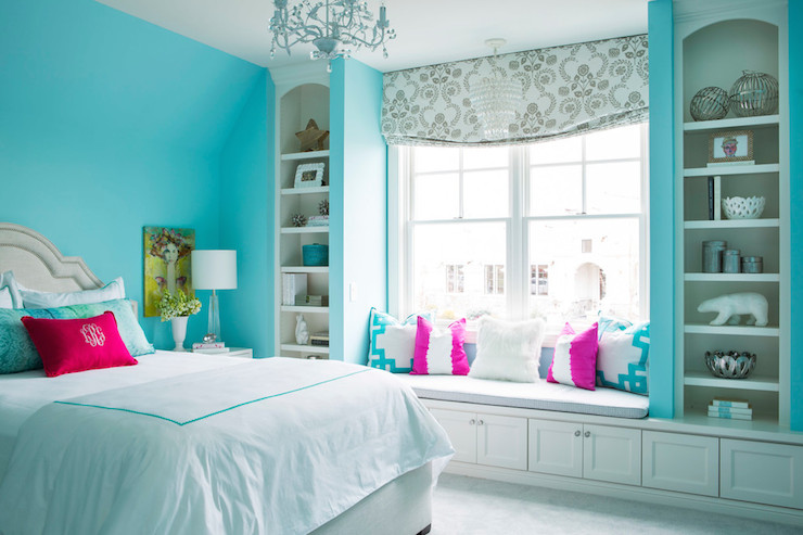 Gray and turquoise room