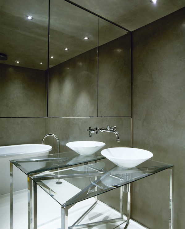 Accent Walls Bathroom Modern: Bathroom With Mirrored Accent Wall