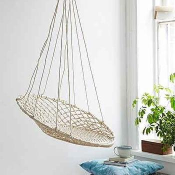 Cuzco Hanging Chair I Urban Outfitters
