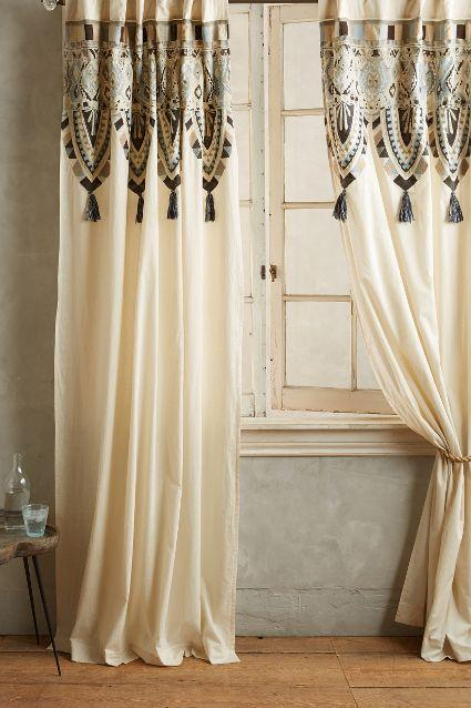 Mariana Curtain