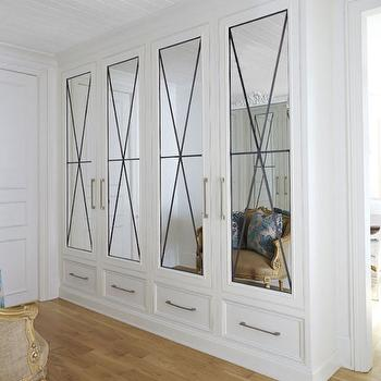 Closets with Mirrored Doors, French, Entrance/foyer