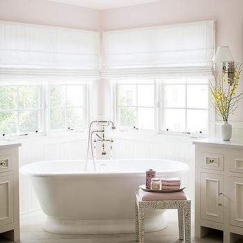 Pink and gray master bathrooms design decor photos for Pink and grey bathroom ideas