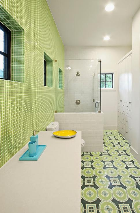 Long Kids Bathroom Design - Contemporary - Bathroom