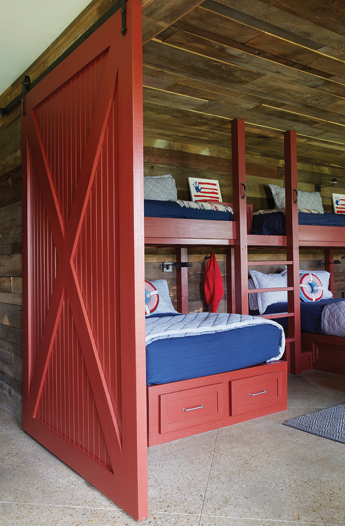 Red bunk beds with red barn door country boy 39 s room - Best bunk beds for small rooms ...