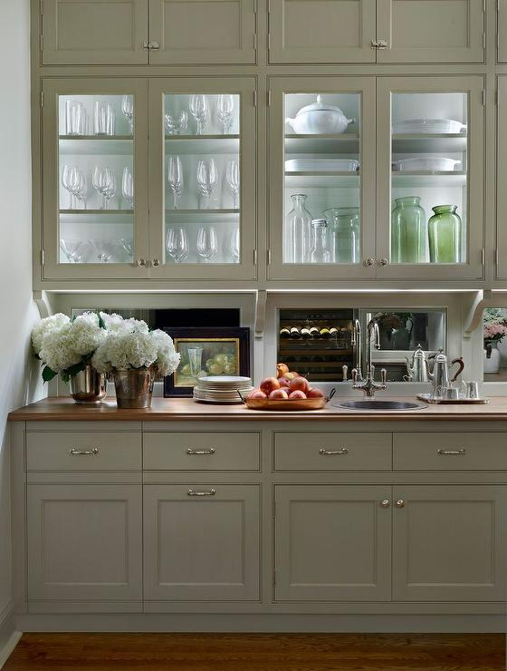 Butler Pantry With Mirrored Backsplash Traditional Kitchen
