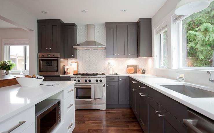 Grey shaker kitchen cabinets for Dark grey kitchen units
