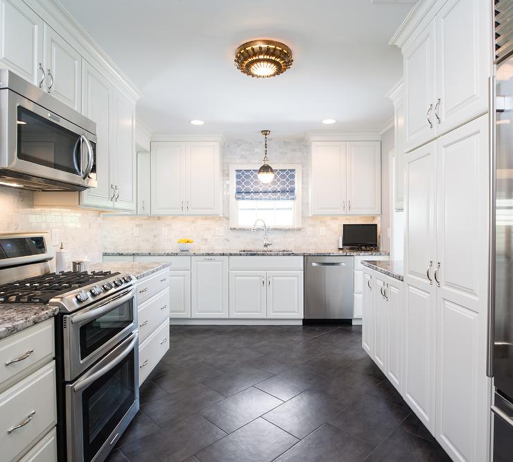 White Cabinets Gray Subway Tile Kashmir White Granite: White Kitchen Cabinets With Black And Gray Granite Countertops