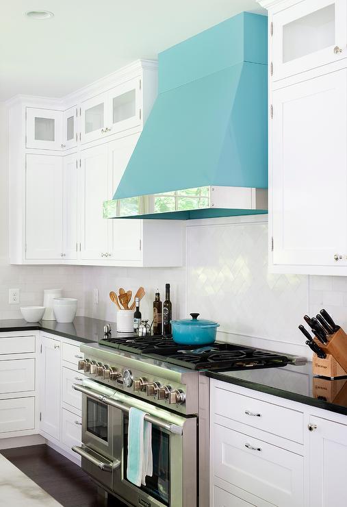 Cooper range hood kitchen with accent design