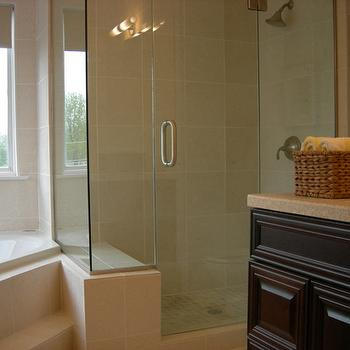 Crema marfil marble design ideas for Best paint color for crema marfil bathroom