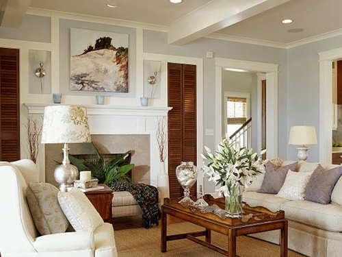 light blue wall paint cottage living room benjamin moore oystershell coastal living. Black Bedroom Furniture Sets. Home Design Ideas