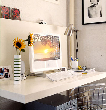 Floating Desk Design Ideas