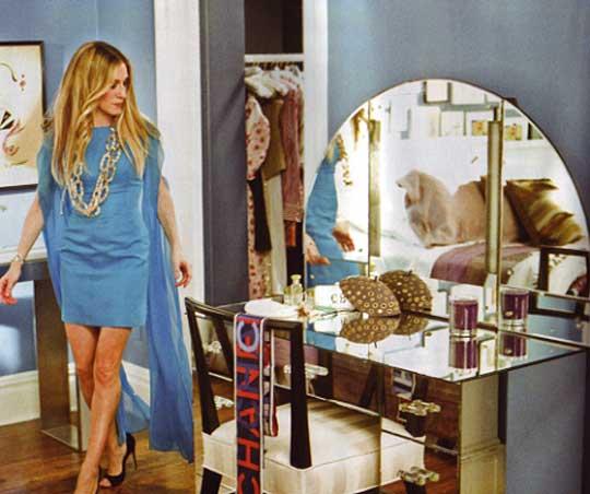 Mirrored Vanity Contemporary Bedroom