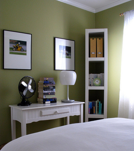 Green wall paint eclectic bedroom benjamin moore Green wall color