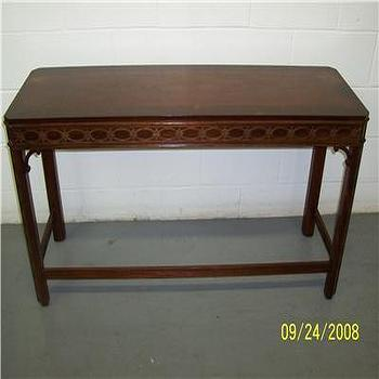 ANTIQUE CHIPPENDALE FOYER SOFA MAHOGANY WOOD TABLE, eBay (item 370095080969 end time Oct-15-08 16:42:28 PDT)